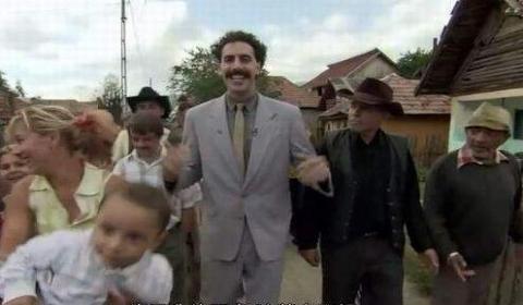 哈萨克斯坦游客穿比基尼被捕:模仿喜剧《波拉特》中的