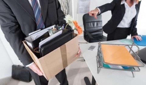 2019年用人单位可以随意辞退试用期员工吗?需要补偿吗?