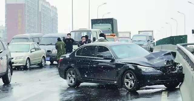 2019年��成交通事故要具�淠男┮�素?交通事故�理工作步�E是什么?