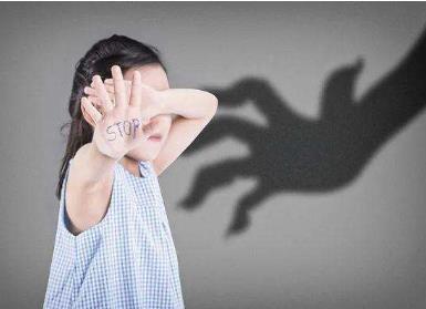 太原11岁女孩约见男网友遭性侵 性侵未成年人一般判多久?
