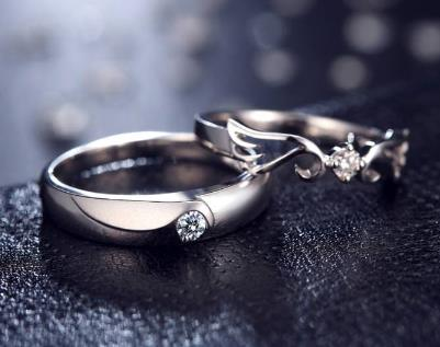 18岁男生迎娶14岁女生父母涉嫌违法 最新规定的男女结婚年龄是多少