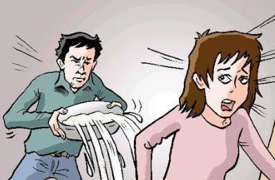 男生朝女生泼化学物 恶意伤人如何起诉