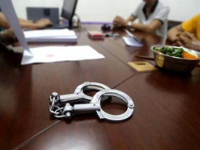 涉事货拉拉司机开过饭店有房有车 刑事拘留的条件是什么?