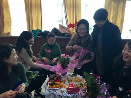 """石榴花开迎新年------市妇联举办""""民族团结一家亲""""迎新年结对联谊活动"""